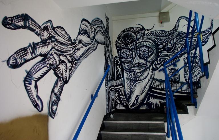 staircasebang02